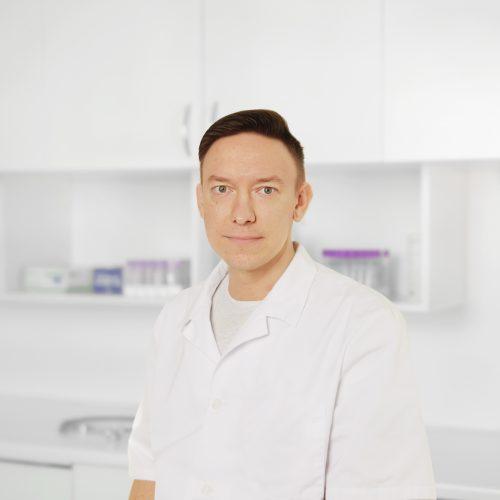 Dr. Denis Vaulin